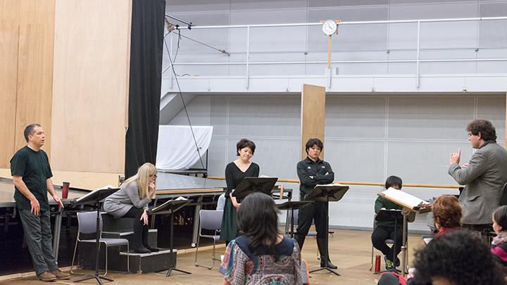 左より)ヴィル・ハルトマン、ハンナ・シュヴァルツ、小林厚子(イェヌーファ役カヴァー)、萩原潤、トマーシュ・ハヌス