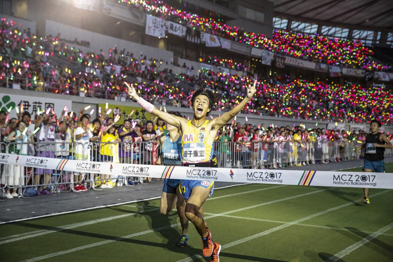 『ももクロ夏のバカ騒ぎ2017 -FIVE THE COLOR Road to 2020- 味の素スタジアム大会会場』2日目1500m Photo by HAJIME KAMIIISAKA+Z