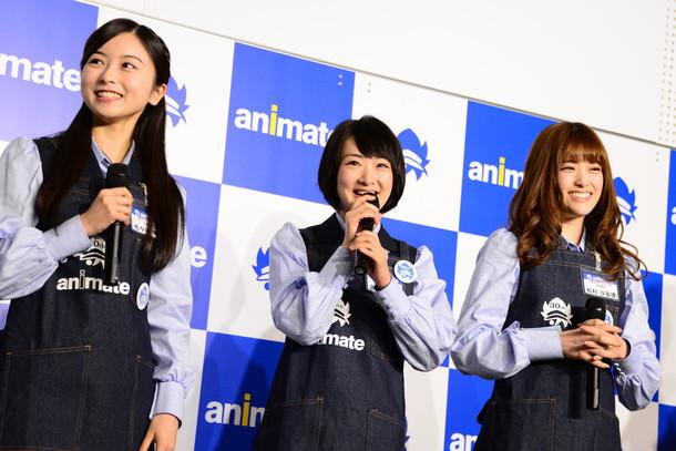左から佐々木琴子、生駒里奈、松村沙友理。