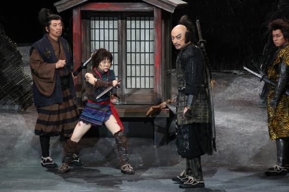 『髑髏城の七人 Season風』開幕 3 左から、生瀬勝久、岸井ゆきの、山内圭哉