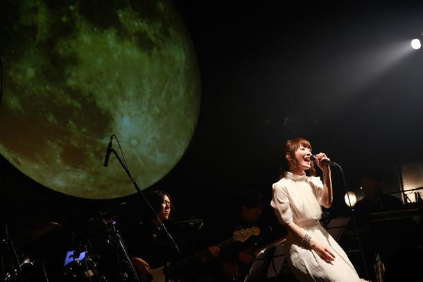 花澤香菜「透明な女の子」発売記念ベントの様子。(撮影:樂滿直城)