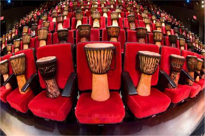 今年も日本上陸、「ドラムストラック」でアフリカの打楽器を堪能