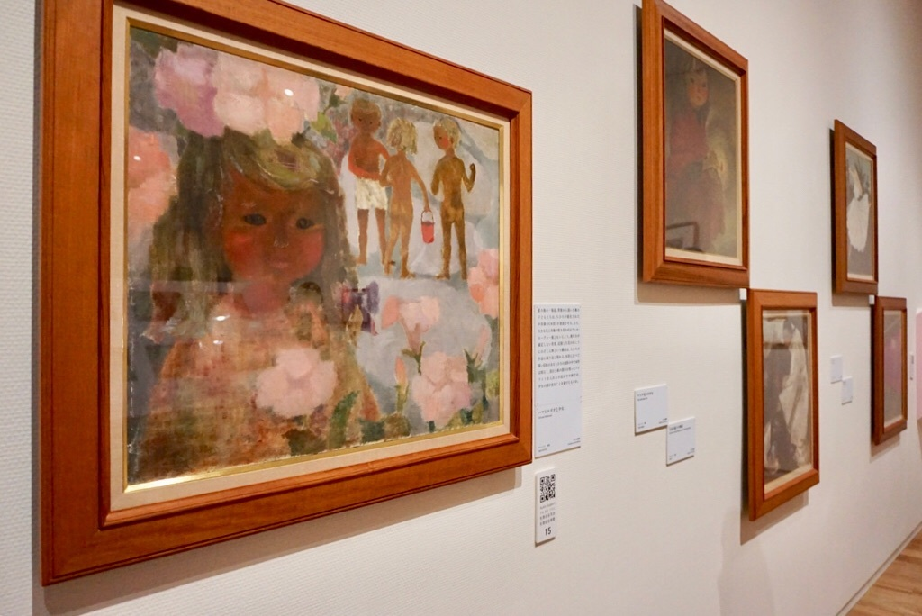 (左)いわさきちひろ《ハマヒルガオと少女》 1950年代半ば 油彩、キャンバス