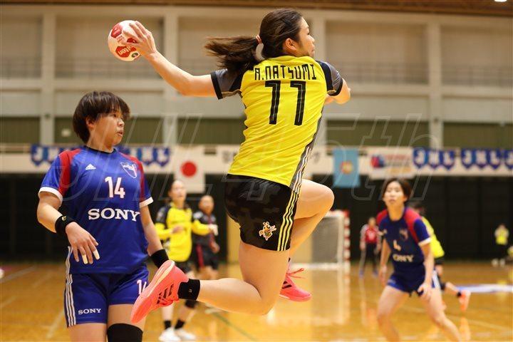 女子でプレーオフ進出を目指す北國銀行の秋山なつみ選手