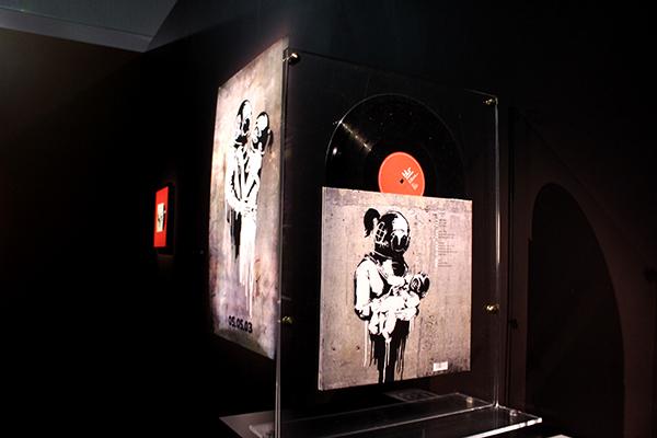 《THINK TANK(シンク・タンク)》Blurのアルバムジャケットとポスター