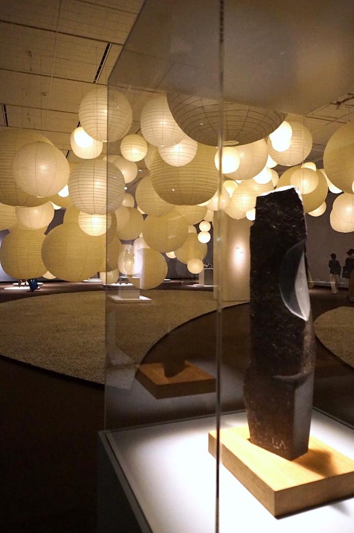 イサム・ノグチ《発見の道》1983-84年 鹿児島県霧島アートの森蔵 (C)2021 The Isamu Noguchi Foundation and Garden Museum/ARS,NY/JASPAR,Tokyo E3713