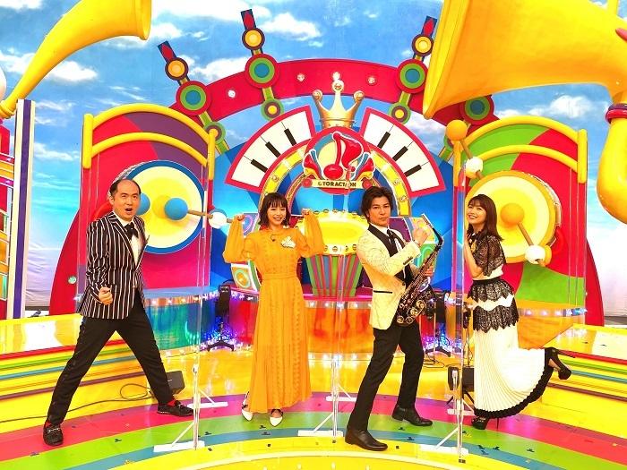 (左から)斎藤司、平野綾、武田真治、新妻聖子 (C)TBS