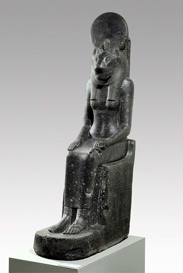 《セクメト女神座像》前1388~前1351年頃  (C)Staatliche Museen zu Berlin, Ägyptisches Museum und Papyrussammlung Berlin / J. Liepe