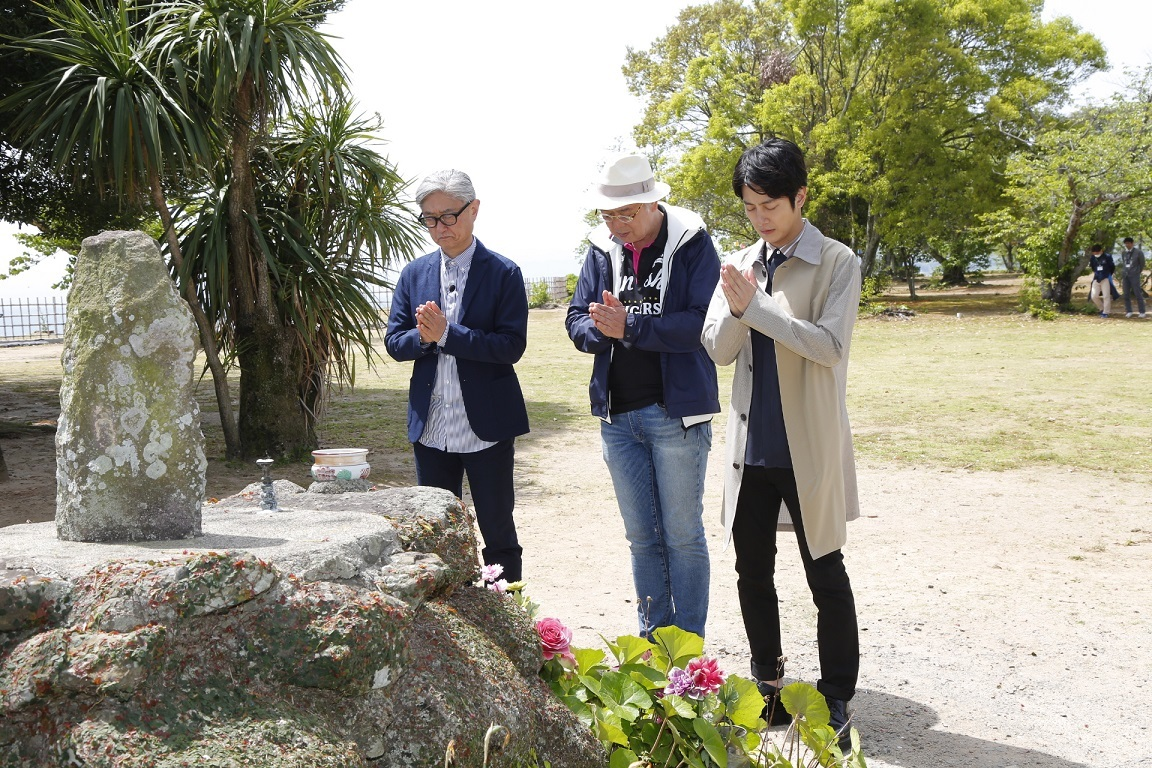 (左から)堤幸彦、マキノノゾミ、溝端淳平