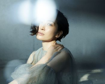 坂本真綾 両A面シングル「独白↔躍動」発売日決定 <FGO盤>と<MAAYA盤>2種類同時発売