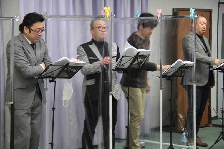 稽古風景:清原邦仁、晴雅彦、西尾岳史、伊藤貴之(左より)     (C)H.isojima