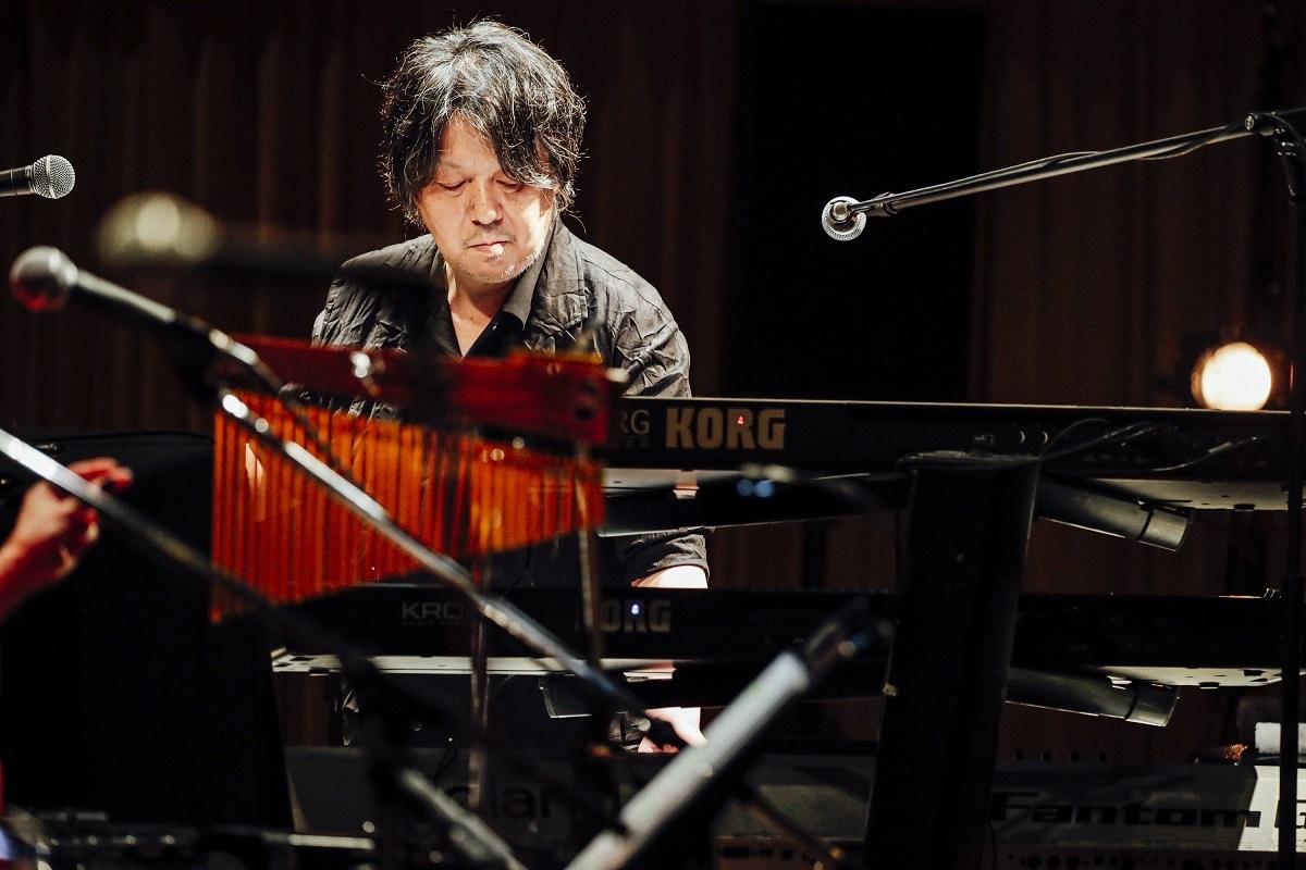 藤田千章 (Keyboard & Synthesizer)