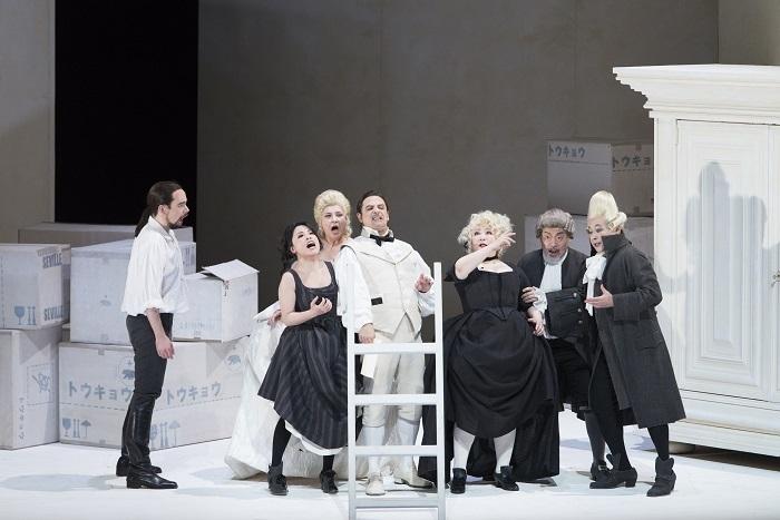 オペラ『フィガロの結婚』 撮影:寺司正彦