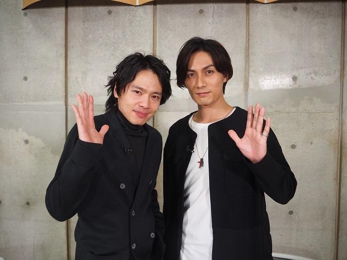 (左から)中川晃教 加藤和樹