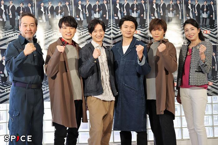(左から)坂田聡、二階堂高嗣、宮田俊哉、横尾渉、千賀健永、高橋ひとみ