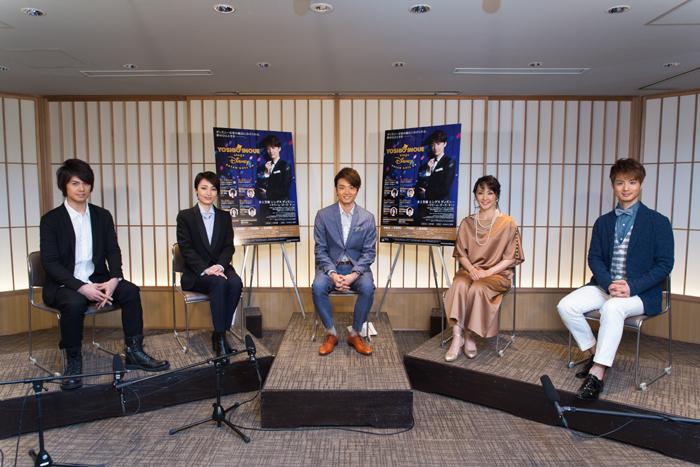 (左から)浦井健治、望海風斗、井上芳雄、濱田めぐみ、田代万里生 (C)Disney