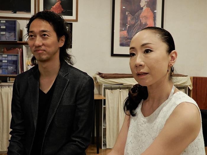 (左から) 佐藤浩希、鍵田真由美