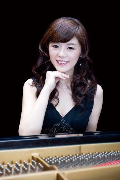 今川映美子(ピアノ) ©武藤 章