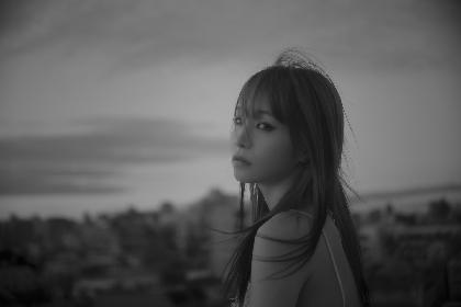 LiSA 最新楽曲「unlasting」ジャケット画像公開 『ソードアート・オンライン』最新作EDテーマとしてフル配信スタート