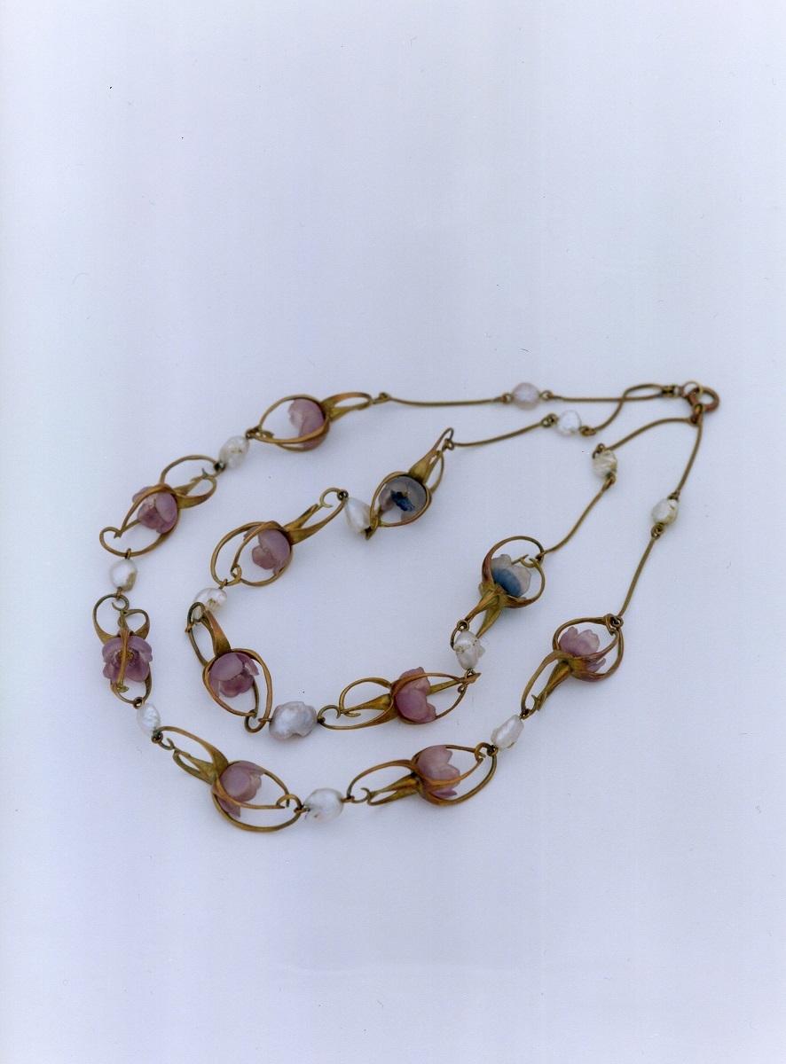 ネックレス《花》1900-05年頃 金、ガラス、バロック真珠