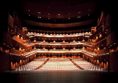 新国立劇場が舞台芸術を愛する人々に向けて、過去の公演記録映像を無料配信する「巣ごもりシアター」を開始