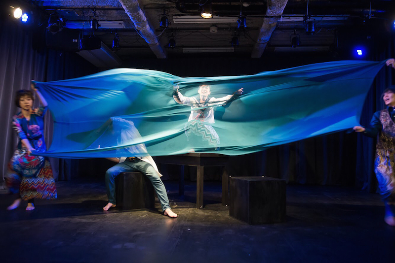 世界劇団『さらばコスモス』舞台写真