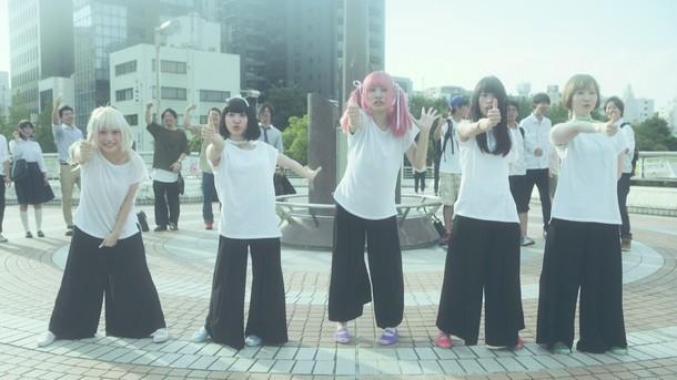 「僕喰賜君ノ全ヲ」ミュージックビデオのワンシーン。