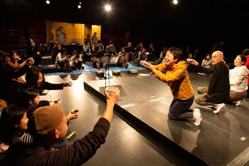 烏丸ストロークロックと祭『祝・祝日』in城崎 2019年12月 ©igaki photo studio 写真提供:城崎国際アートセンター