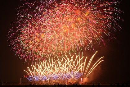 長嶋茂雄やBUMP OF CHICKENゆかりの場所でもある佐倉市で開催される「佐倉花火フェスタ」の魅力に迫る
