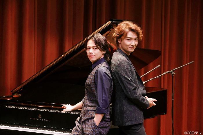 『中川晃教 Live Music Studio』(左から中川晃教、井上芳雄)