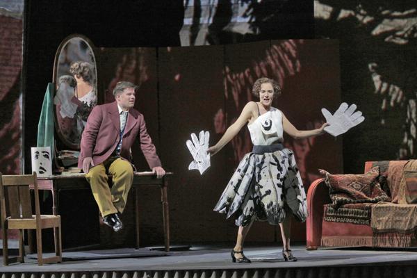 オペラ「ルル」舞台写真 (C)Ken Howard Metropolitan Opera