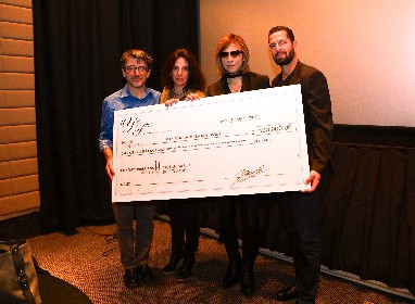 YOSHIKI 米国ハリケーン被災者支援のために100,000ドル(約11,270,000円)寄付