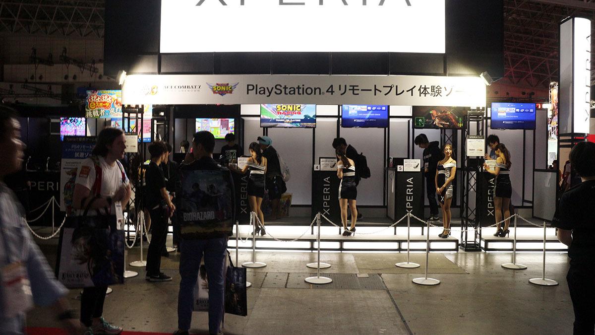 ソニー・エリクソンの高性能スマホ「XPERIA」ブースはコーナーの中でも大きな位置を占めていた/撮影:梅田勝司