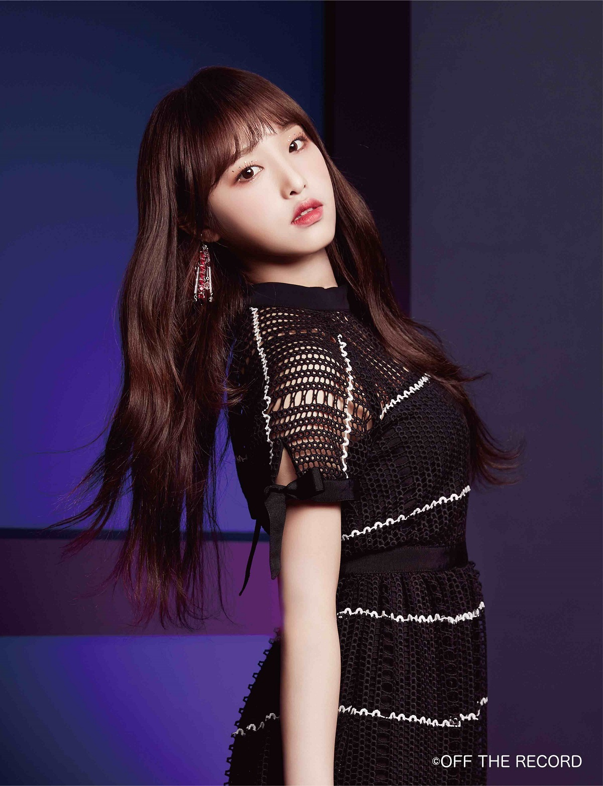 IZ*ONE/イェナ  (C)OFF THE RECORD