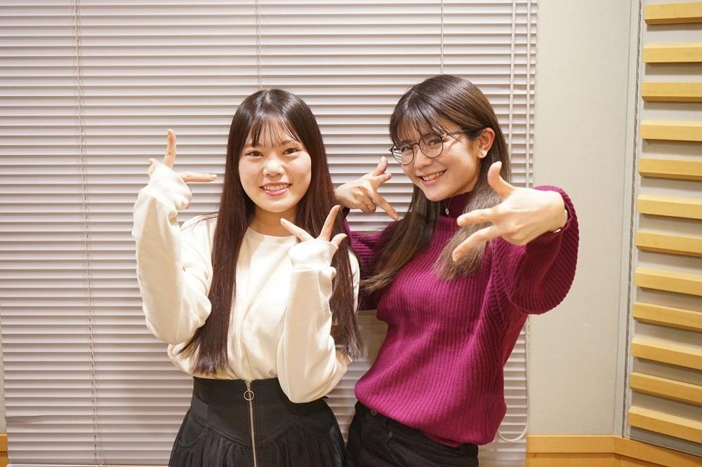 パーソナリティの(左)倉知玲鳳、 (右)紡木吏佐 (C)BanG Dream! Project