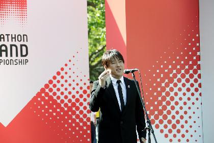 コブクロ・小渕健太郎が緊張の中で国歌独唱 2020東京オリンピック日本代表選考レースで選手たちにエール