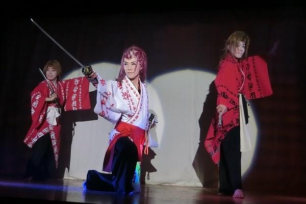 左から澤村悠介さん・澤村神龍副座長・澤村丞弥さん(2016/2/14)