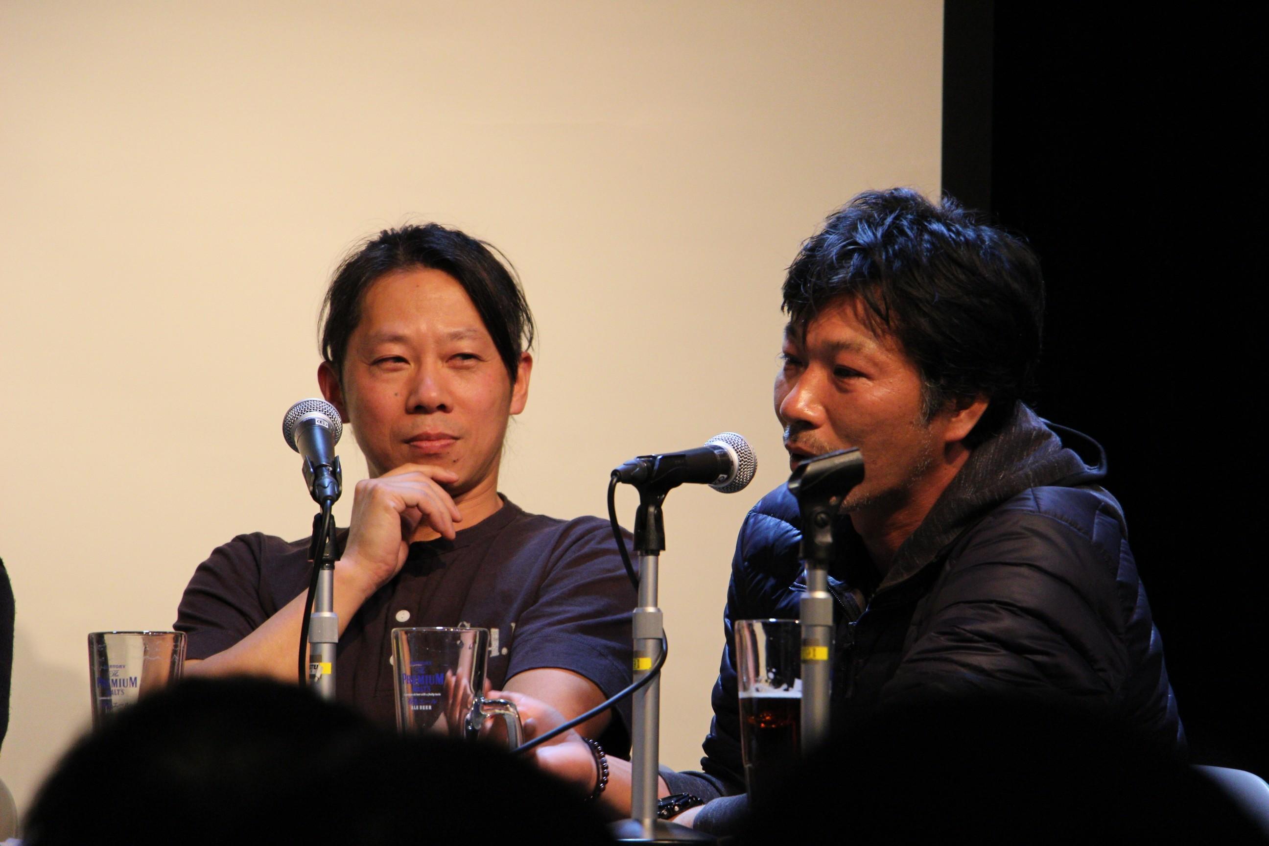 田渕景也(右)