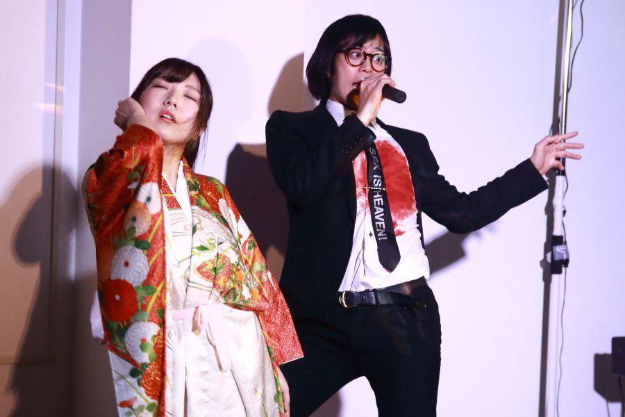 踊子の秋山こはる(@shima2_15、左)と松永天馬(右)
