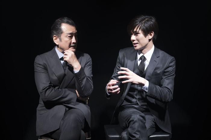 (左から)吉田鋼太郎、柿澤勇人 撮影=渡部孝弘