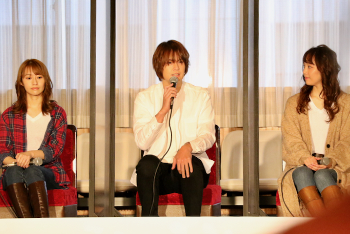 (左から)桜井玲香、浦井健治、咲妃みゆ