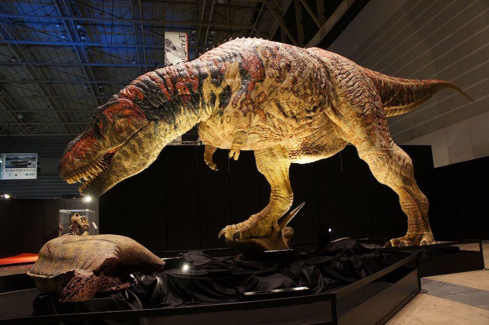 大迫力の全長12mのティラノサウルスロボットも展示 (C)ココロ