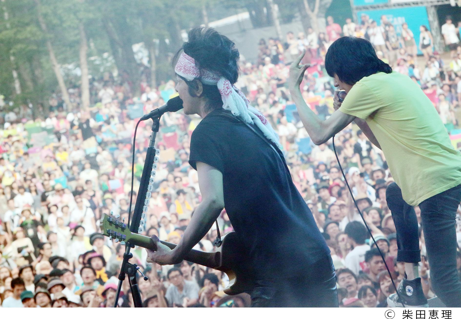 ザ・クロマニヨンズ/FUJI ROCK FESTIVAL '14 撮影=柴田恵理