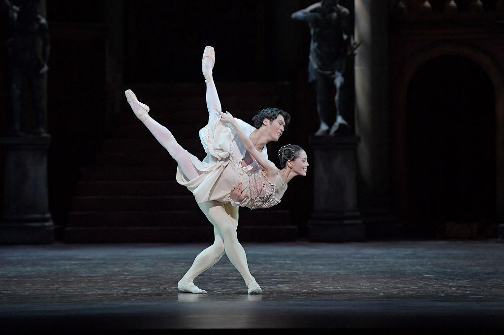 バレエ『ロメオとジュリエット』  撮影:鹿摩隆司