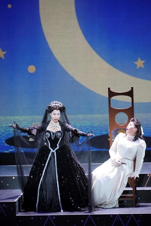 オペラへの招待 歌劇「魔笛」 船越亜弥(パミーナ)と脇坂法子(夜の女王)