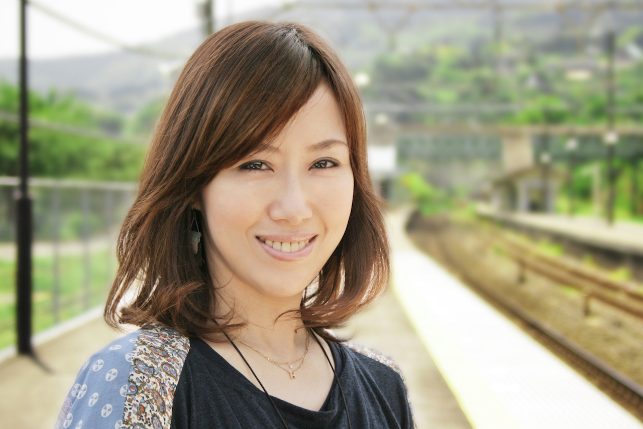 <DJ 仁井聡子> 「SATURDAY AMUSIC ISLANDS MORNING EDITION」 放送時間:毎週土曜日7:00-12:00