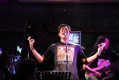髙嶋政宏が金属恵比須の演奏で「スターレス」を熱唱!~『スターレス髙嶋presents 金属恵比須 LIVE&TALK』レポート