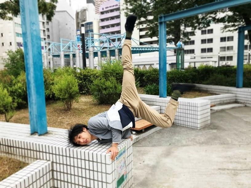 大熊隆太郎(劇団壱劇屋)。ちなみに彼の十八番である江頭2:50のモノマネ。 [撮影]吉永美和子