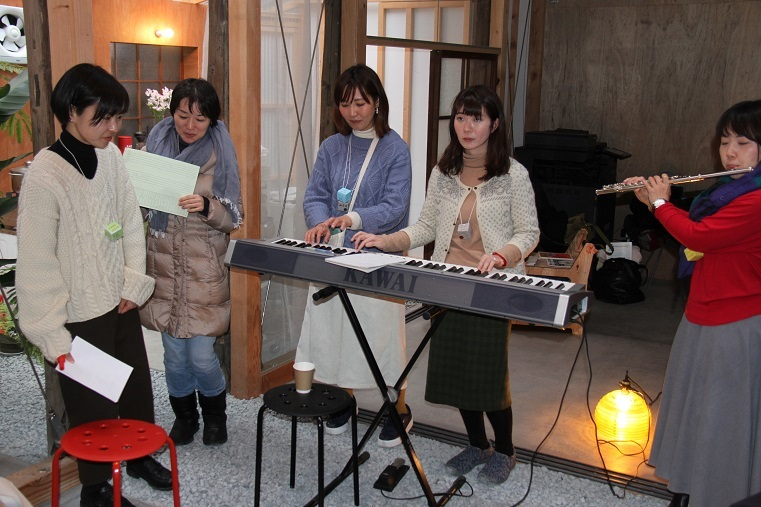 「建築×音楽」ワークショップにて、作品発表の様子 (C)H.isojima