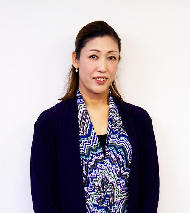 インタビューに答えるソプラノ歌手 木澤佐江子